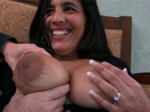 Sarah juive brune baisée par tony pour jacquie michel