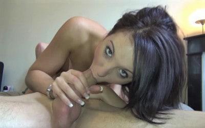 Nora jeune algérienne coquine baise devant la camera