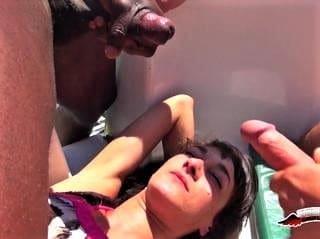 Samia dans les démons en MER sex tv realite