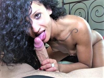 Valéria, 32 ans, beurette tunisienne apprentie cougar !