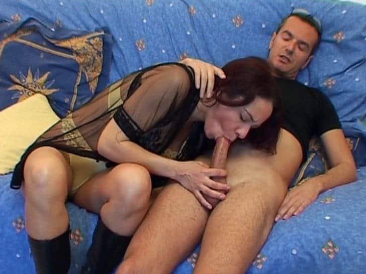 Premier film porno pour une beurette en chaleur