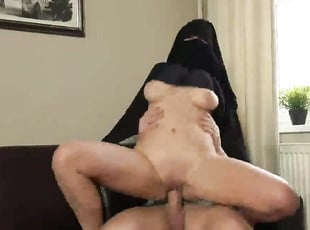 Hijab Niqab porn muslim beurette enculée